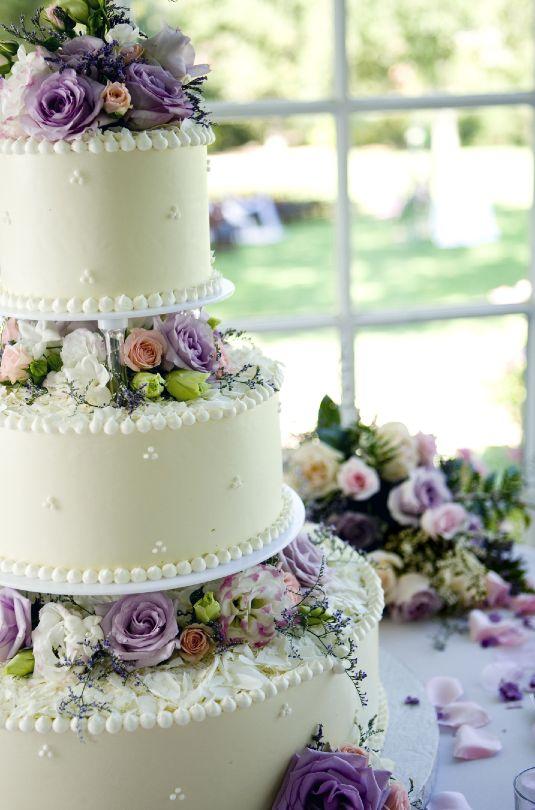 Tort De Nuntă Decorat Cu Flori Naturale Album Sursă De Inspiraţie